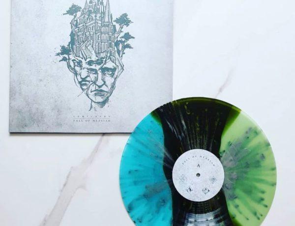 Novinky u Holy Roar Records: s alternativou kolem světa a mimo čas